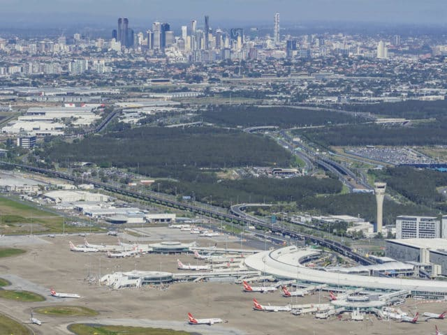 DC8_BrisbaneAirport_Aerial_01